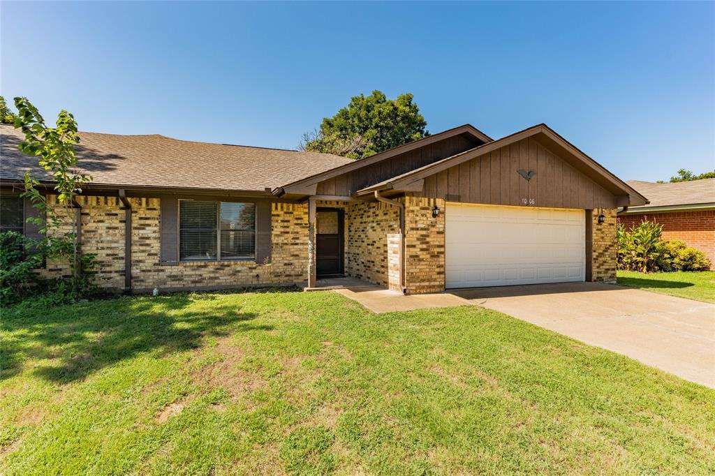 1006 Prairie Wind  Boulevard, Stephenville, Texas 76401 - Acquisto Real Estate best frisco realtor Amy Gasperini 1031 exchange expert