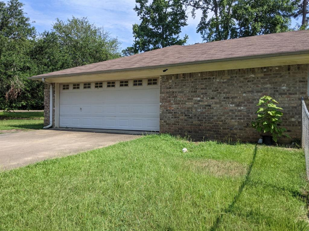 106 Walnut  Gladewater, Texas 75647 - Acquisto Real Estate best frisco realtor Amy Gasperini 1031 exchange expert