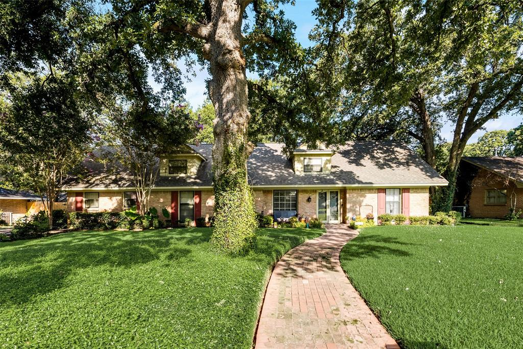 820 Cedar Crest  Lane, Corsicana, Texas 75110 - Acquisto Real Estate best frisco realtor Amy Gasperini 1031 exchange expert