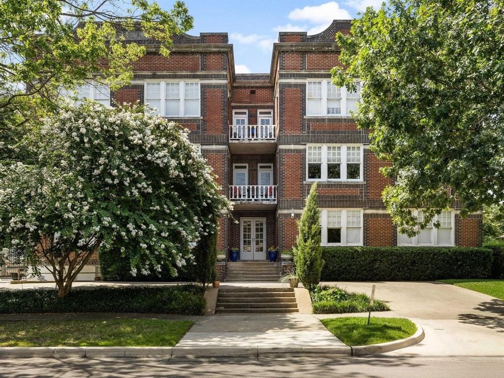 4845 Swiss  Avenue, Dallas, Texas 75204 - Acquisto Real Estate best frisco realtor Amy Gasperini 1031 exchange expert