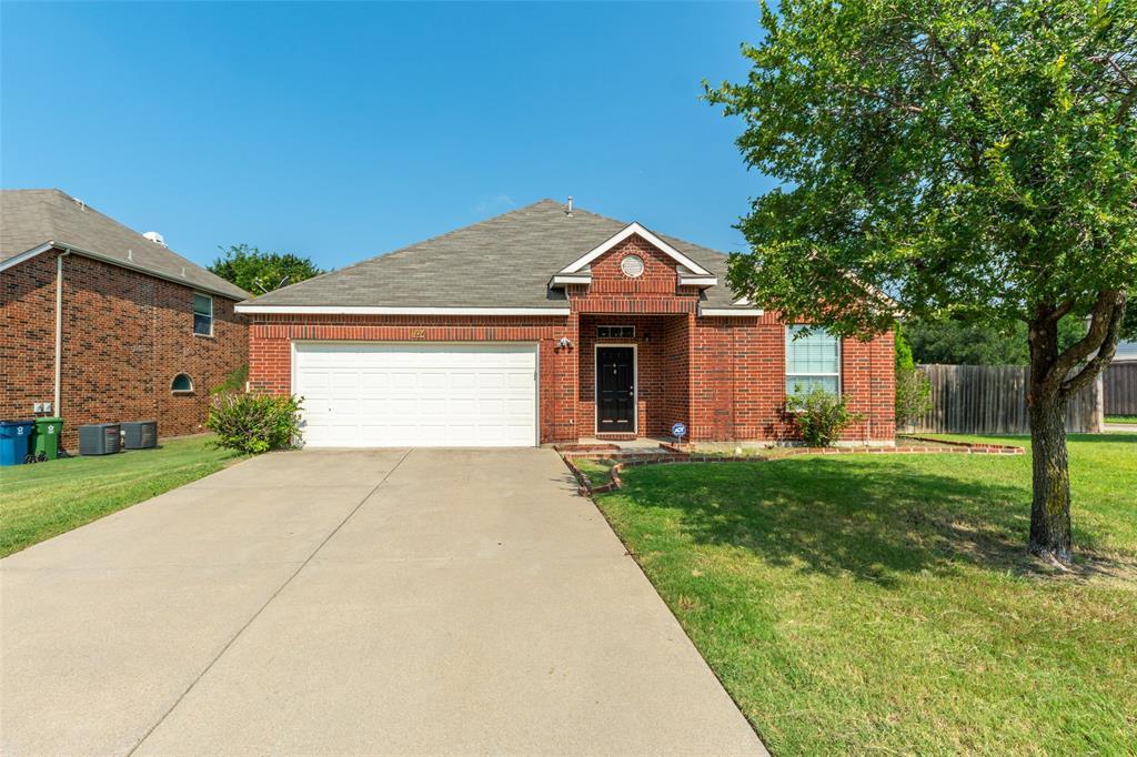 1724 Cliffrose  Lane, Lewisville, Texas 75067 - Acquisto Real Estate best frisco realtor Amy Gasperini 1031 exchange expert