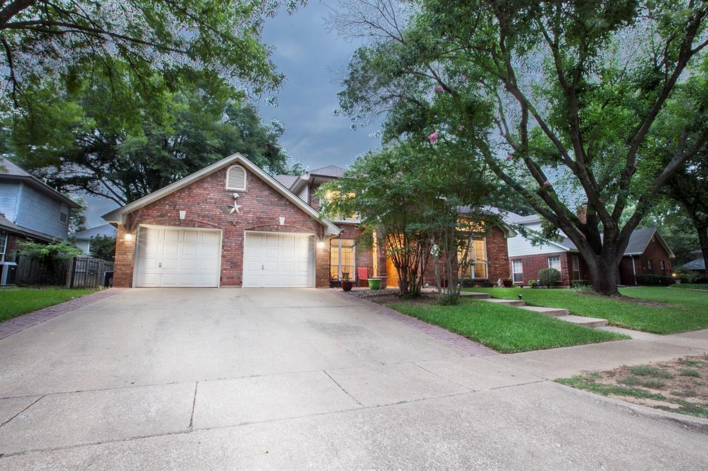 2604 Surrey Woods  Court, Flower Mound, Texas 75028 - Acquisto Real Estate best frisco realtor Amy Gasperini 1031 exchange expert