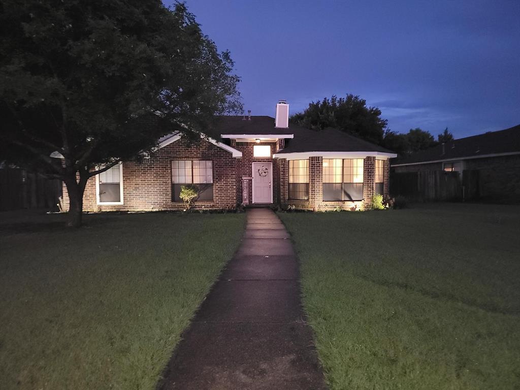 1926 Arapaho  Trail, Mesquite, Texas 75149 - Acquisto Real Estate best frisco realtor Amy Gasperini 1031 exchange expert
