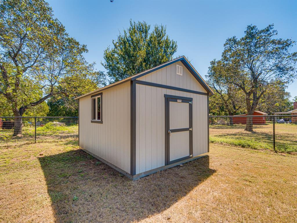 500 Lewis  Street, Rio Vista, Texas 76093 - Acquisto Real Estate best frisco realtor Amy Gasperini 1031 exchange expert