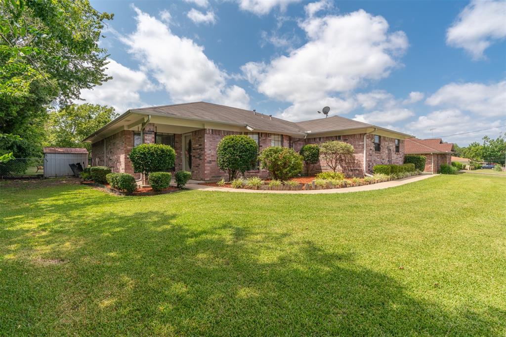 3009 Eastland  Avenue, Greenville, Texas 75402 - Acquisto Real Estate best frisco realtor Amy Gasperini 1031 exchange expert