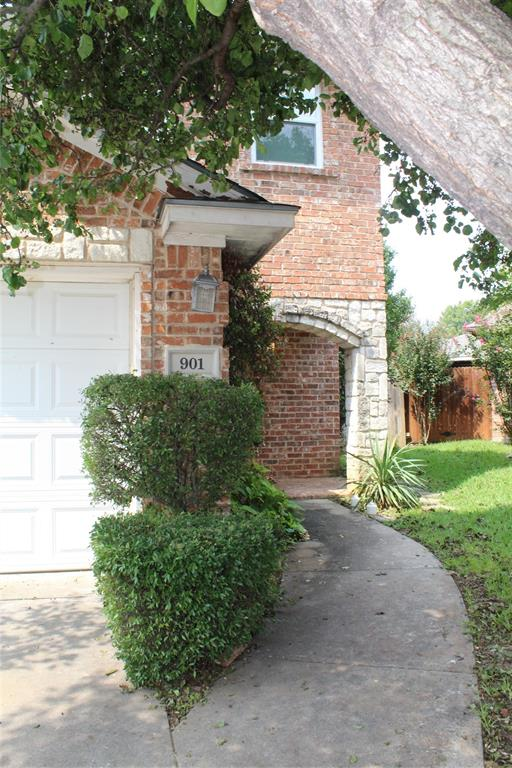 901 Saddle  Drive, Euless, Texas 76039 - Acquisto Real Estate best frisco realtor Amy Gasperini 1031 exchange expert