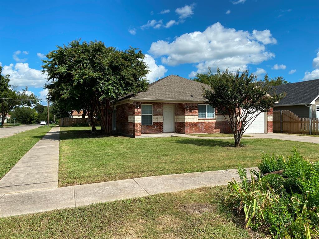 1521 Ross  Street, Sherman, Texas 75092 - Acquisto Real Estate best frisco realtor Amy Gasperini 1031 exchange expert