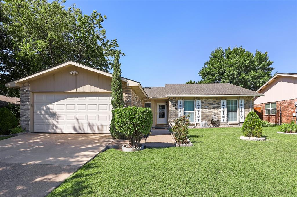 4101 Longstraw  Drive, Fort Worth, Texas 76137 - Acquisto Real Estate best frisco realtor Amy Gasperini 1031 exchange expert