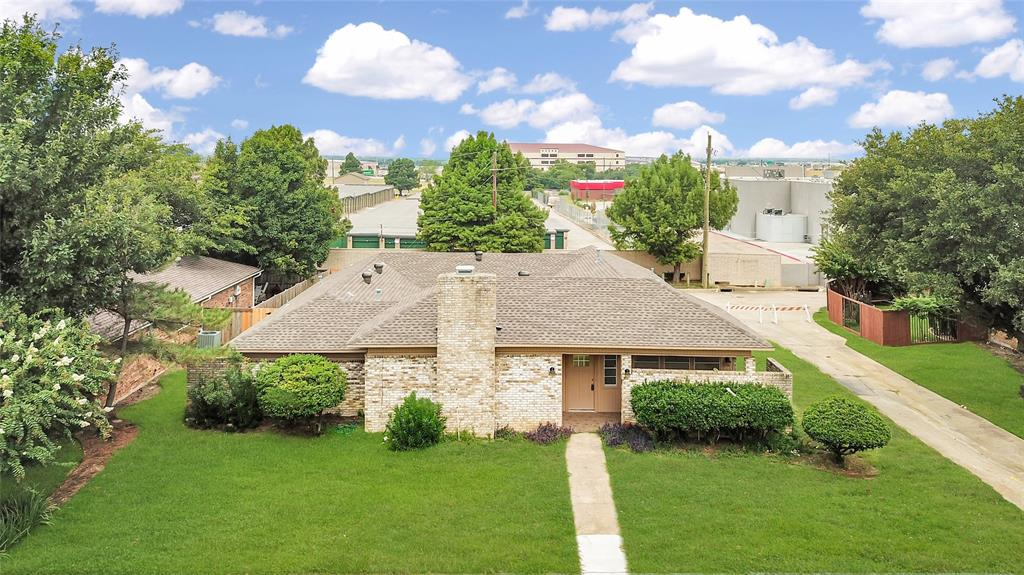 2315 Oakwood  Drive, Carrollton, Texas 75006 - Acquisto Real Estate best frisco realtor Amy Gasperini 1031 exchange expert