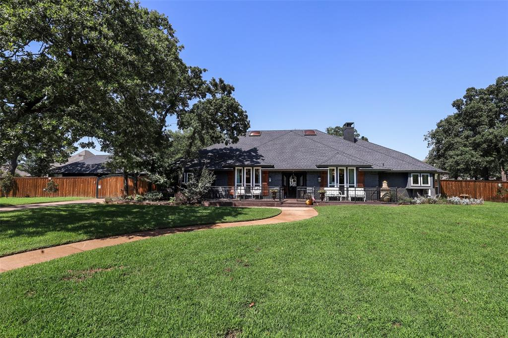 1602 Mistletoe  Lane, Pantego, Texas 76013 - Acquisto Real Estate best frisco realtor Amy Gasperini 1031 exchange expert