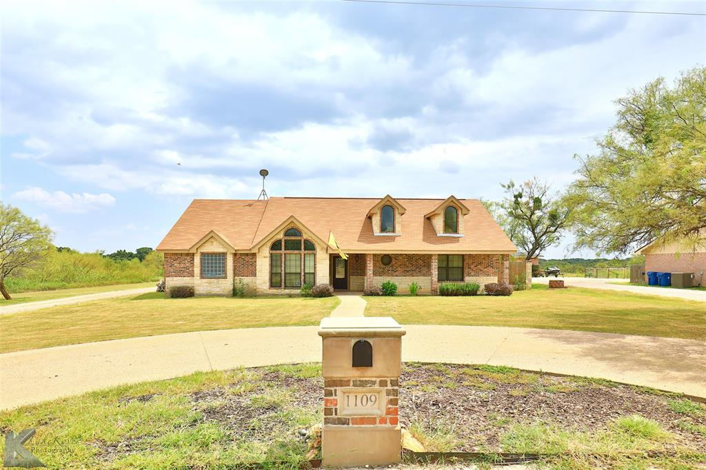 1109 Woodland  Drive, Clyde, Texas 79510 - Acquisto Real Estate best frisco realtor Amy Gasperini 1031 exchange expert