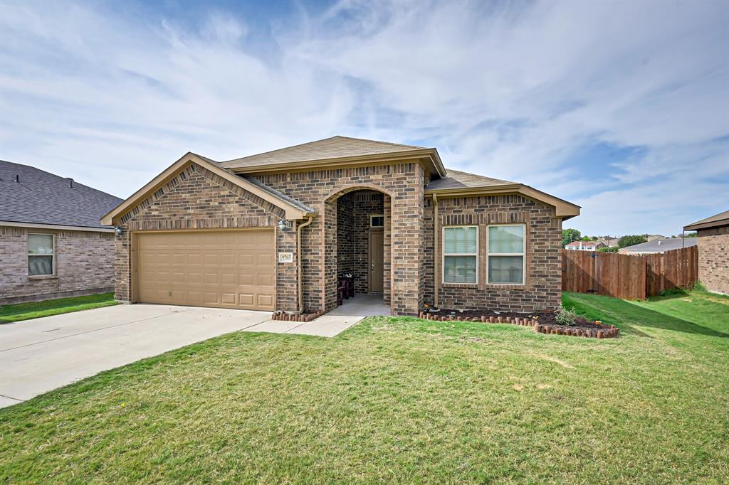9765 Osprey  Drive, Fort Worth, Texas 76108 - Acquisto Real Estate best frisco realtor Amy Gasperini 1031 exchange expert