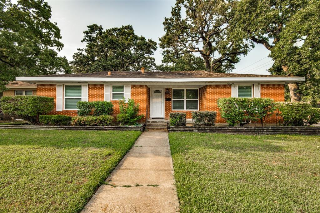 1244 Mistletoe  Drive, Irving, Texas 75060 - Acquisto Real Estate best frisco realtor Amy Gasperini 1031 exchange expert