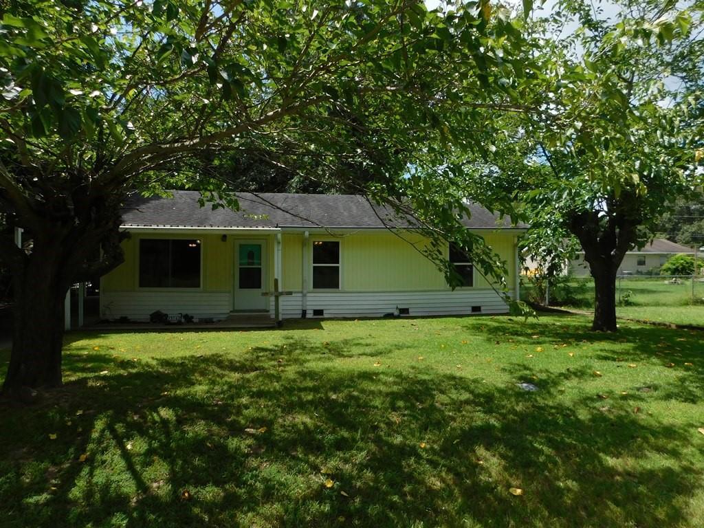 23162 Lakewood  Drive, Berryville, Texas 75763 - Acquisto Real Estate best frisco realtor Amy Gasperini 1031 exchange expert