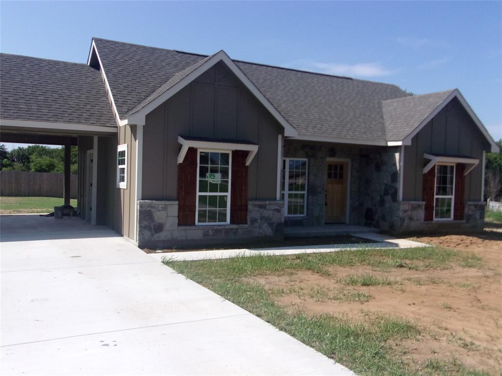 305 West Main  Montague, Texas 76251 - Acquisto Real Estate best frisco realtor Amy Gasperini 1031 exchange expert