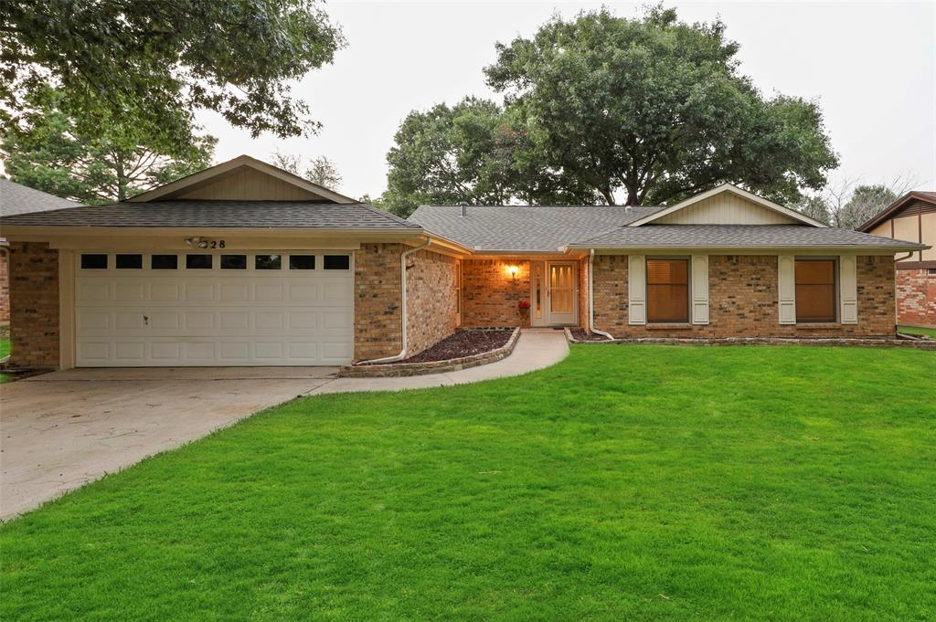 328 Stratford  Drive, Hurst, Texas 76054 - Acquisto Real Estate best frisco realtor Amy Gasperini 1031 exchange expert