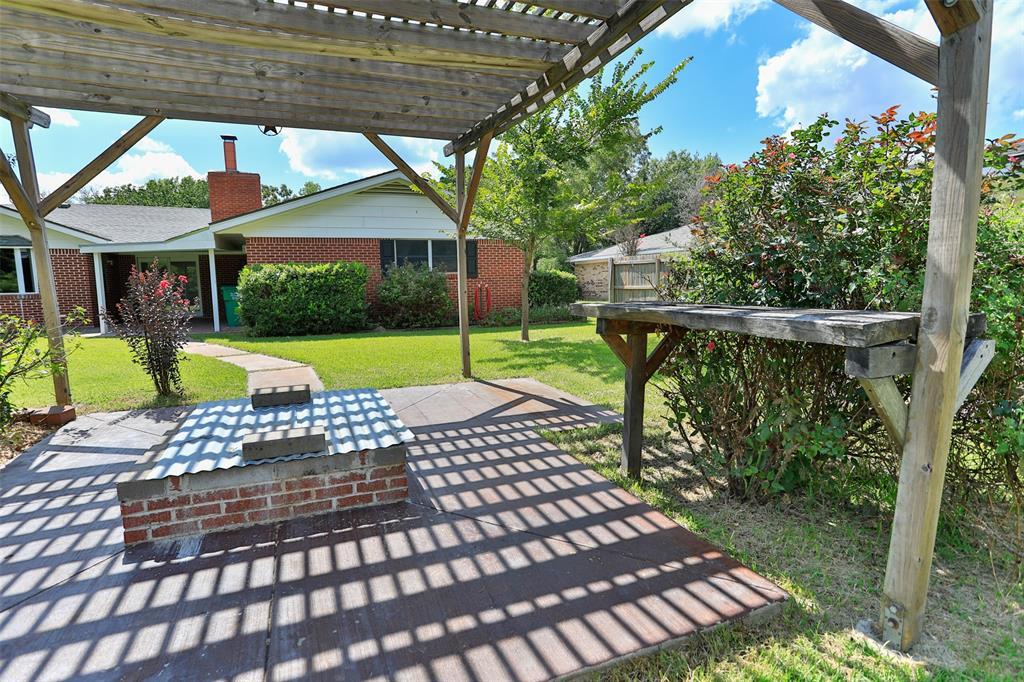 700 ASPEN  Road, Gainesville, Texas 76240 - Acquisto Real Estate best frisco realtor Amy Gasperini 1031 exchange expert