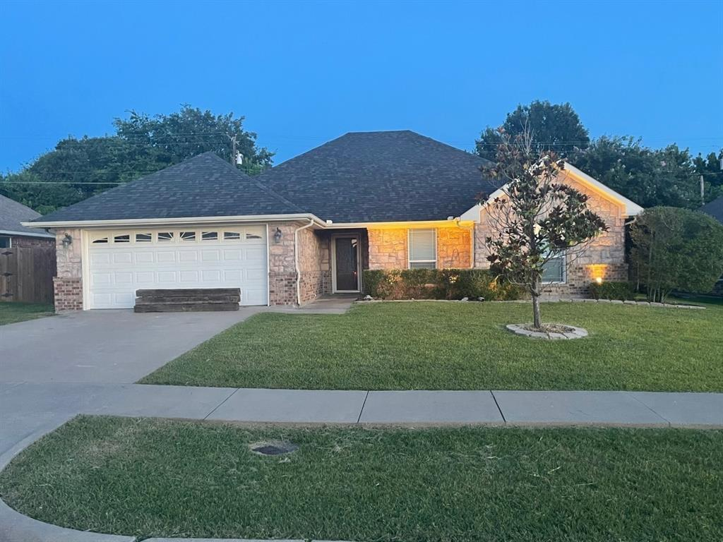 809 Oakmont  Drive, Ennis, Texas 75119 - Acquisto Real Estate best frisco realtor Amy Gasperini 1031 exchange expert