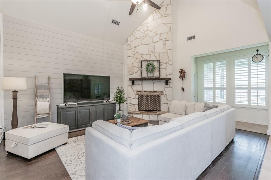 1019 Fenwick  Lane, Forney, Texas 75126 - Acquisto Real Estate best frisco realtor Amy Gasperini 1031 exchange expert
