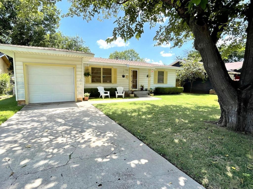 717 Woodlawn  Drive, Abilene, Texas 79603 - Acquisto Real Estate best frisco realtor Amy Gasperini 1031 exchange expert