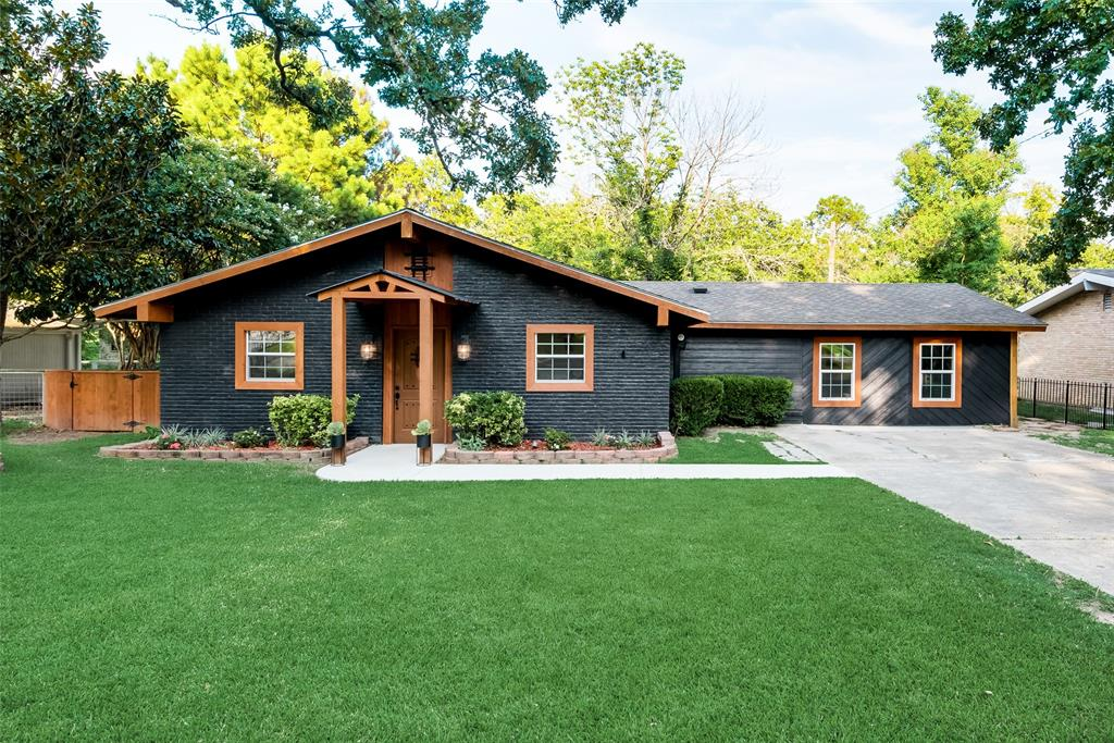 196 Lake  Drive, Enchanted Oaks, Texas 75156 - Acquisto Real Estate best frisco realtor Amy Gasperini 1031 exchange expert
