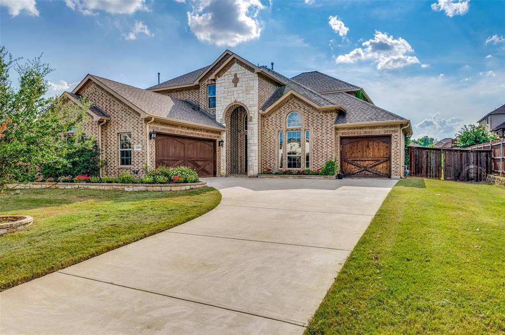 2209 Clarebrooke  Drive, Grand Prairie, Texas 75050 - Acquisto Real Estate best frisco realtor Amy Gasperini 1031 exchange expert