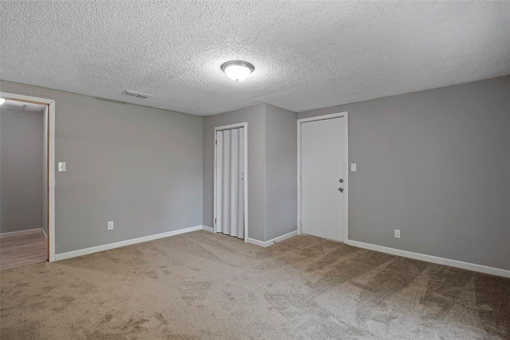 2510 Chestnut  Avenue, Fort Worth, Texas 76164 - Acquisto Real Estate best frisco realtor Amy Gasperini 1031 exchange expert