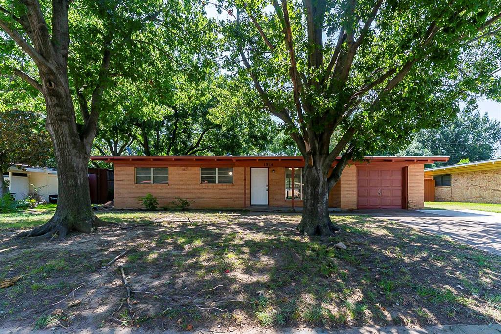 1914 Winthrop  Street, Irving, Texas 75061 - Acquisto Real Estate best frisco realtor Amy Gasperini 1031 exchange expert