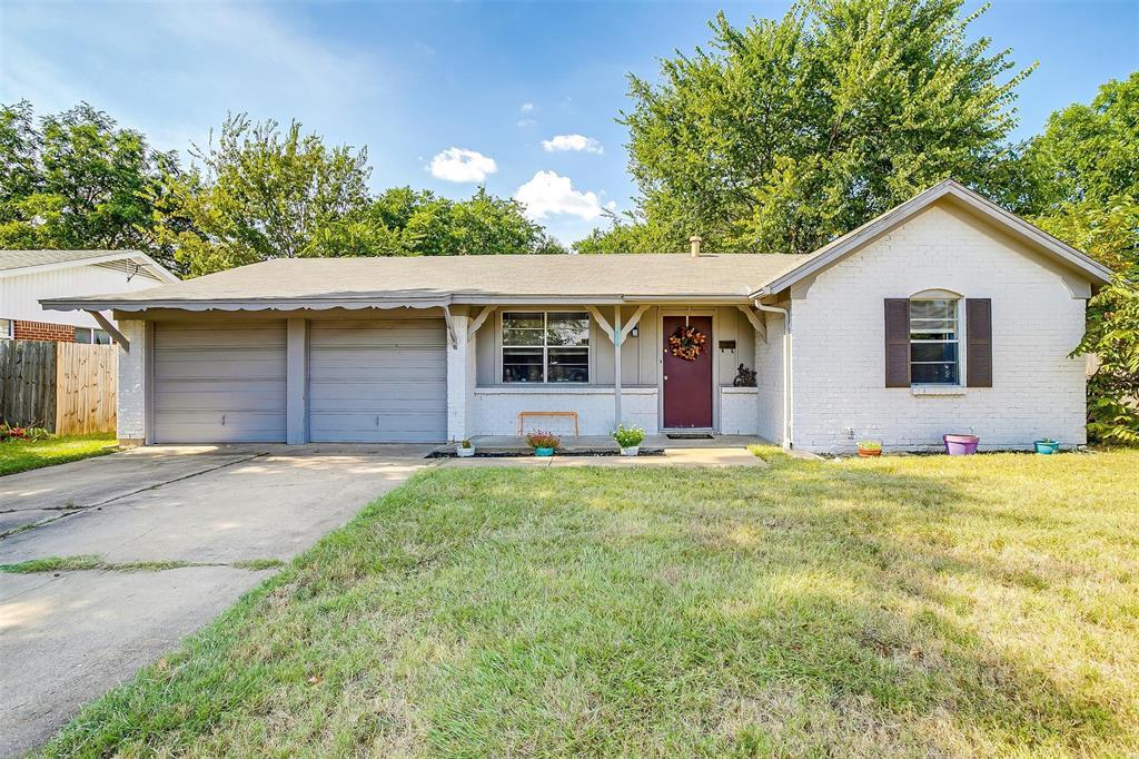 204 Thomas  Street, Burleson, Texas 76028 - Acquisto Real Estate best frisco realtor Amy Gasperini 1031 exchange expert