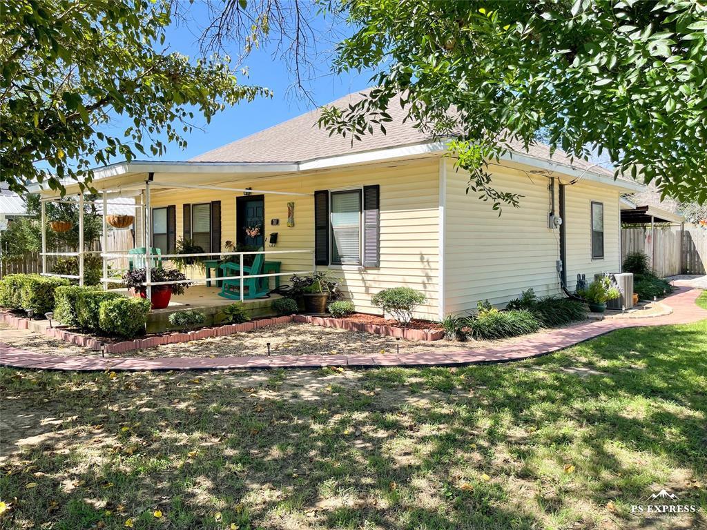 701 Halbryan  Street, Eastland, Texas 76448 - Acquisto Real Estate best frisco realtor Amy Gasperini 1031 exchange expert
