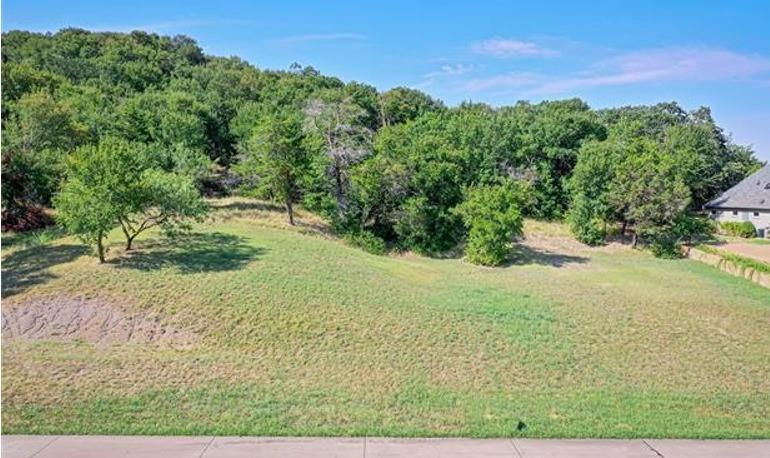 2466 Creekwood  Drive, Cedar Hill, Texas 75104 - Acquisto Real Estate best frisco realtor Amy Gasperini 1031 exchange expert