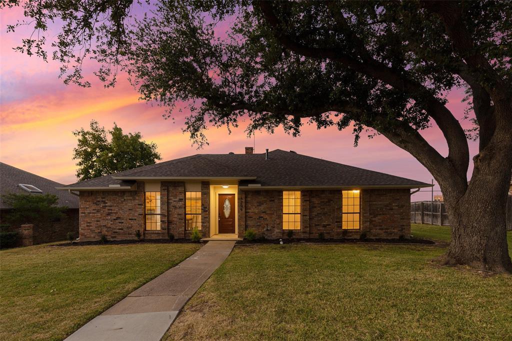 1206 Slope  Carrollton, Texas 75007 - Acquisto Real Estate best frisco realtor Amy Gasperini 1031 exchange expert