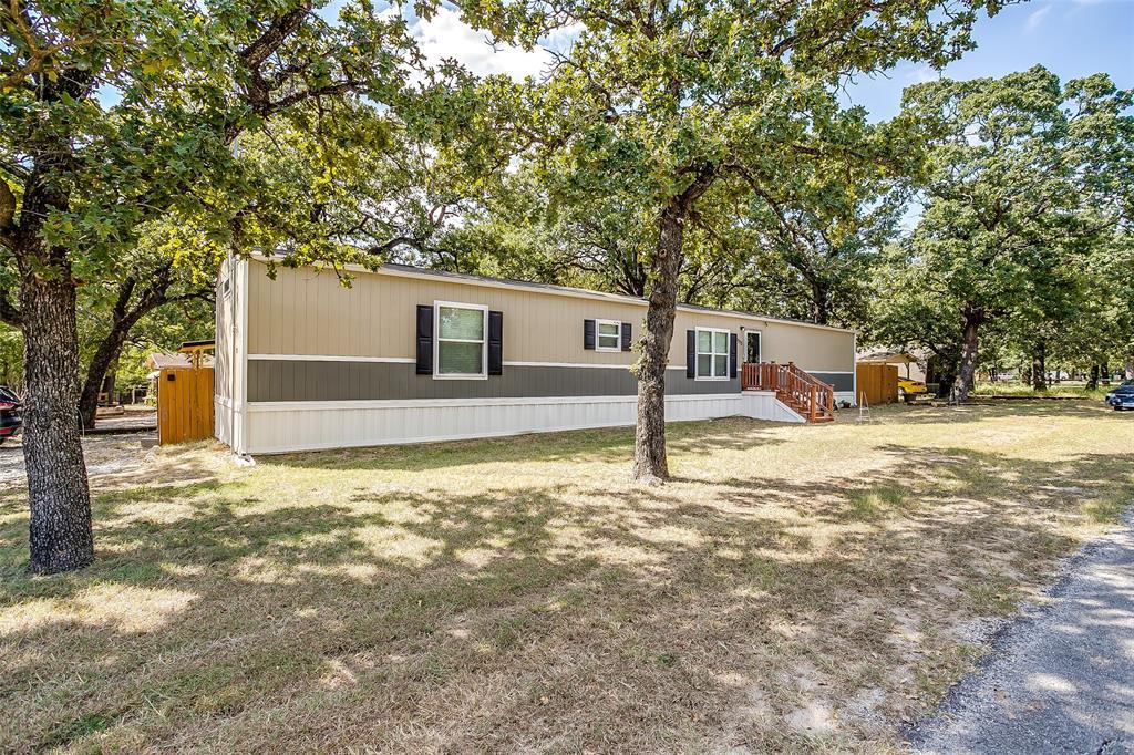 1273 Lindale  Azle, Texas 76020 - Acquisto Real Estate best frisco realtor Amy Gasperini 1031 exchange expert