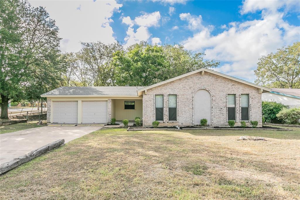6524 Stardust  Drive, Watauga, Texas 76148 - Acquisto Real Estate best frisco realtor Amy Gasperini 1031 exchange expert