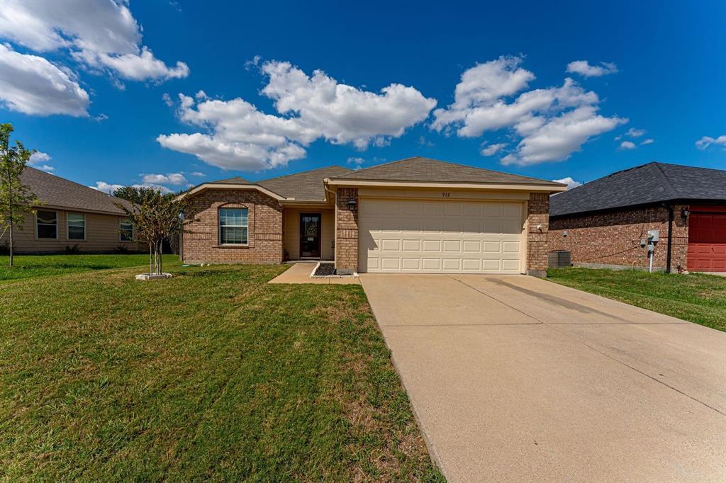 912 Mckavett  Drive, Burleson, Texas 76028 - Acquisto Real Estate best frisco realtor Amy Gasperini 1031 exchange expert