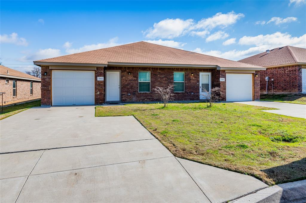 7317 Colonial  Drive, Forest Hill, Texas 76140 - Acquisto Real Estate best frisco realtor Amy Gasperini 1031 exchange expert