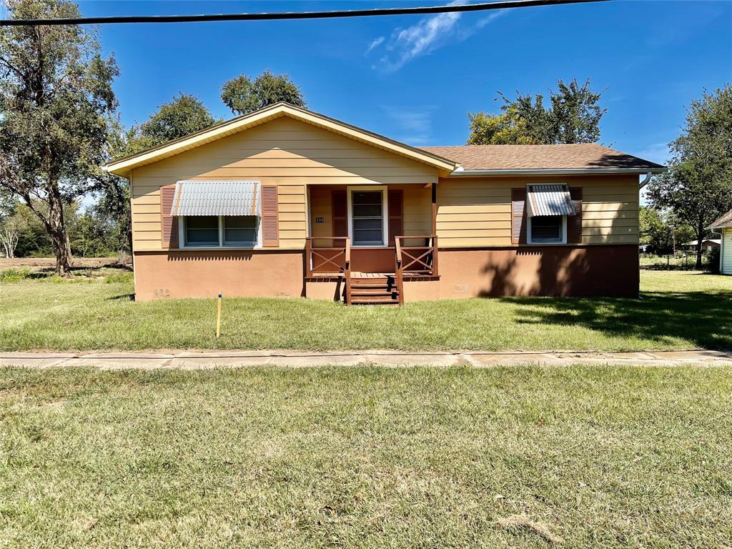 108 Main  Wortham, Texas 76693 - Acquisto Real Estate best frisco realtor Amy Gasperini 1031 exchange expert