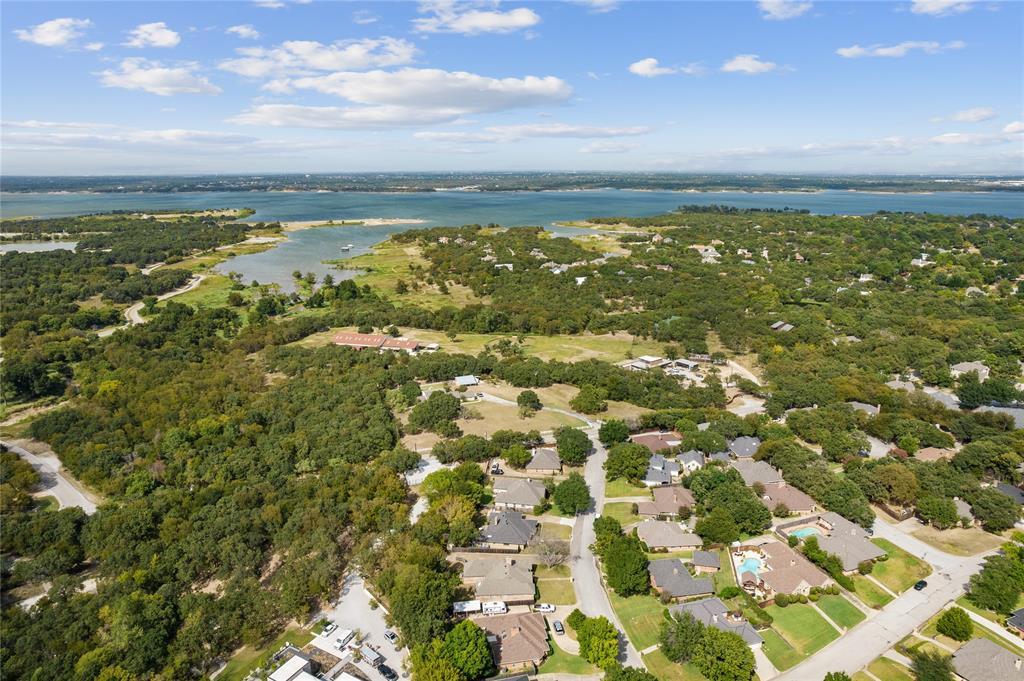 2925 Roaring Springs  Road, Grapevine, Texas 76051 - Acquisto Real Estate best frisco realtor Amy Gasperini 1031 exchange expert