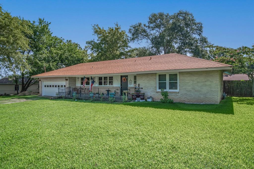 407 Austin  Street, Edgewood, Texas 75117 - Acquisto Real Estate best frisco realtor Amy Gasperini 1031 exchange expert