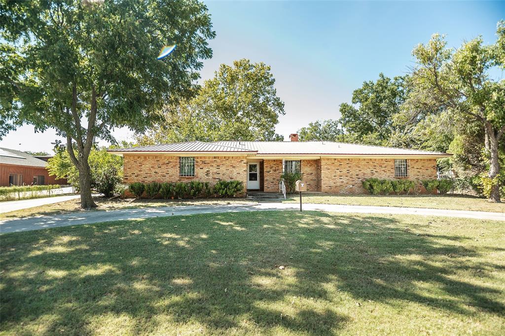 104 Wise  Street, Nocona, Texas 76255 - Acquisto Real Estate best frisco realtor Amy Gasperini 1031 exchange expert