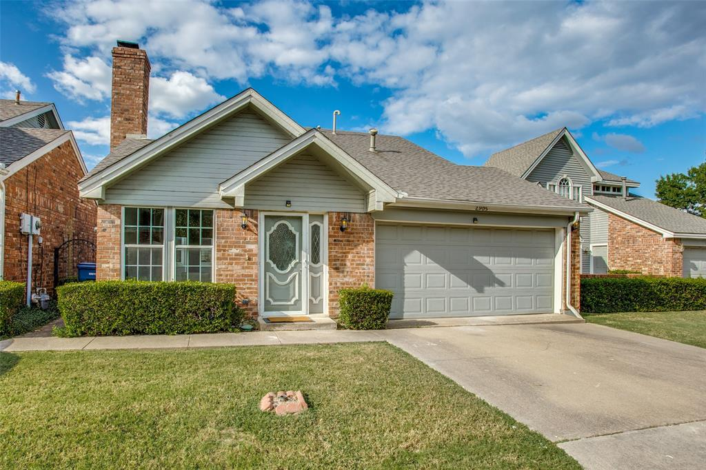 2905 Waterfront  Drive, Garland, Texas 75042 - Acquisto Real Estate best frisco realtor Amy Gasperini 1031 exchange expert