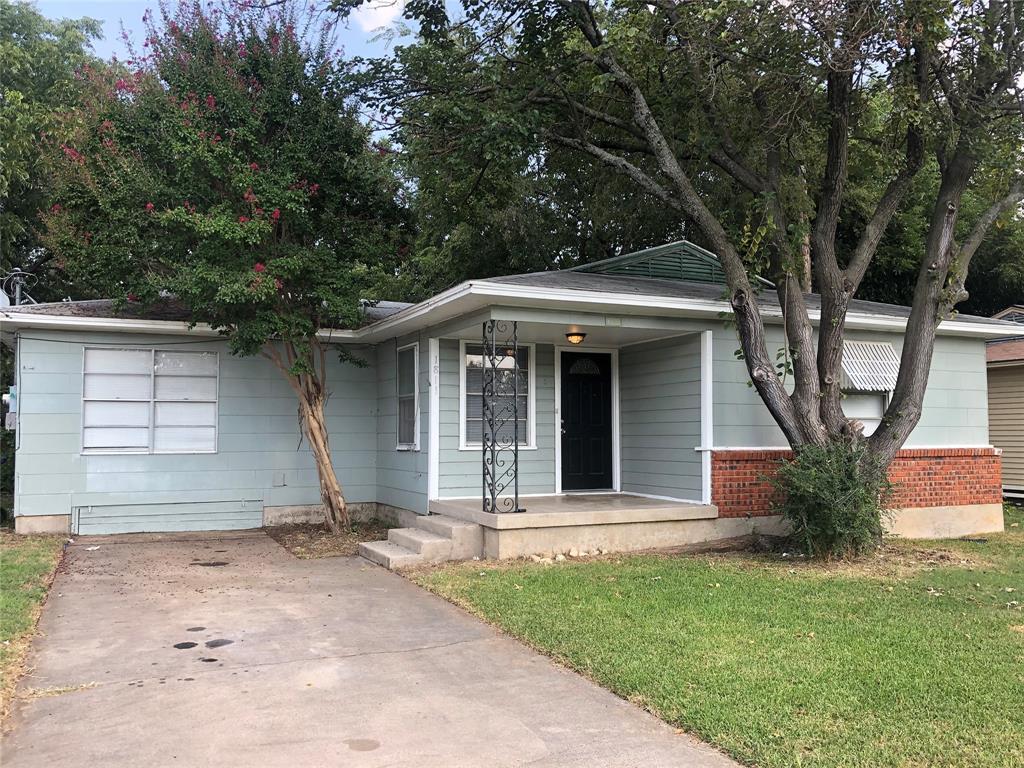1811 Mercedes  Road, Denton, Texas 76205 - Acquisto Real Estate best frisco realtor Amy Gasperini 1031 exchange expert