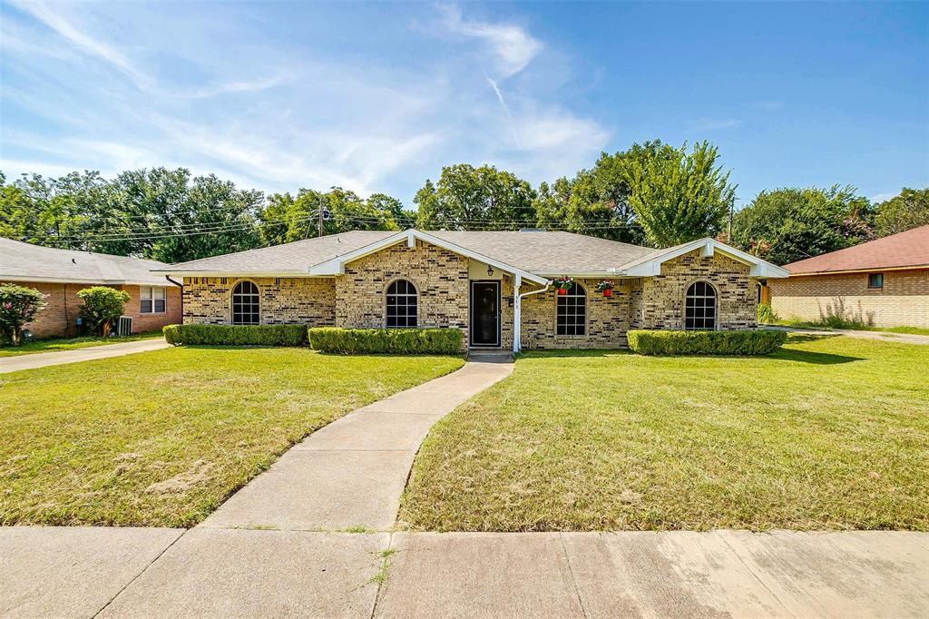 943 Sprucewood  Drive, Lancaster, Texas 75146 - Acquisto Real Estate best frisco realtor Amy Gasperini 1031 exchange expert