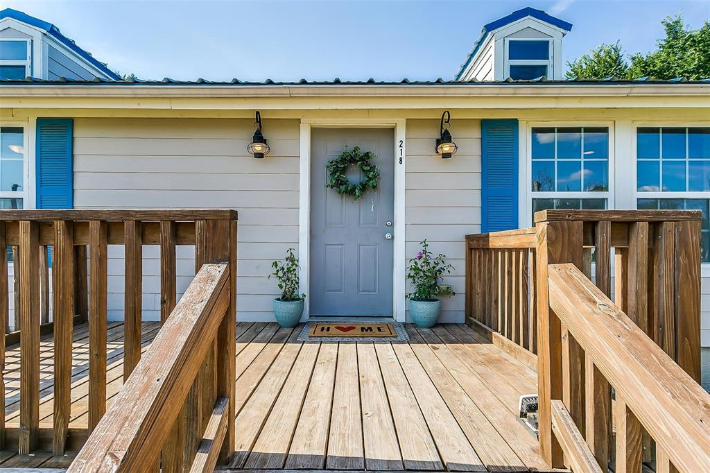 218 Spring Valley  Circle, Azle, Texas 76020 - Acquisto Real Estate best frisco realtor Amy Gasperini 1031 exchange expert