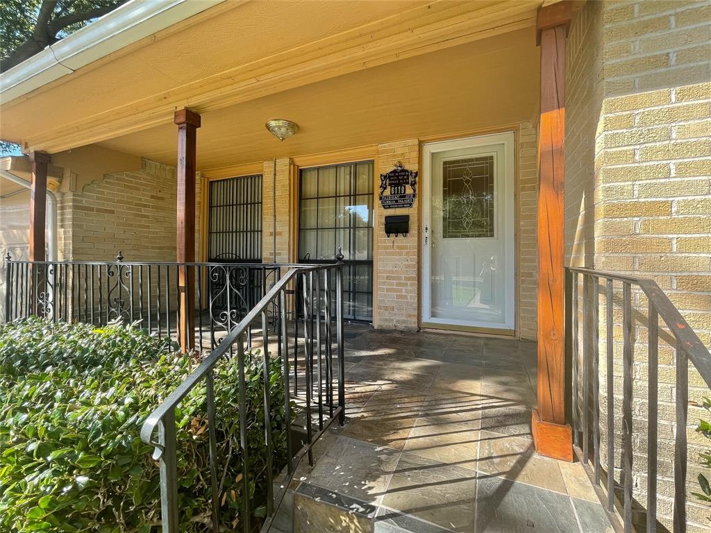 6119 Fairway  Avenue, Dallas, Texas 75227 - Acquisto Real Estate best frisco realtor Amy Gasperini 1031 exchange expert