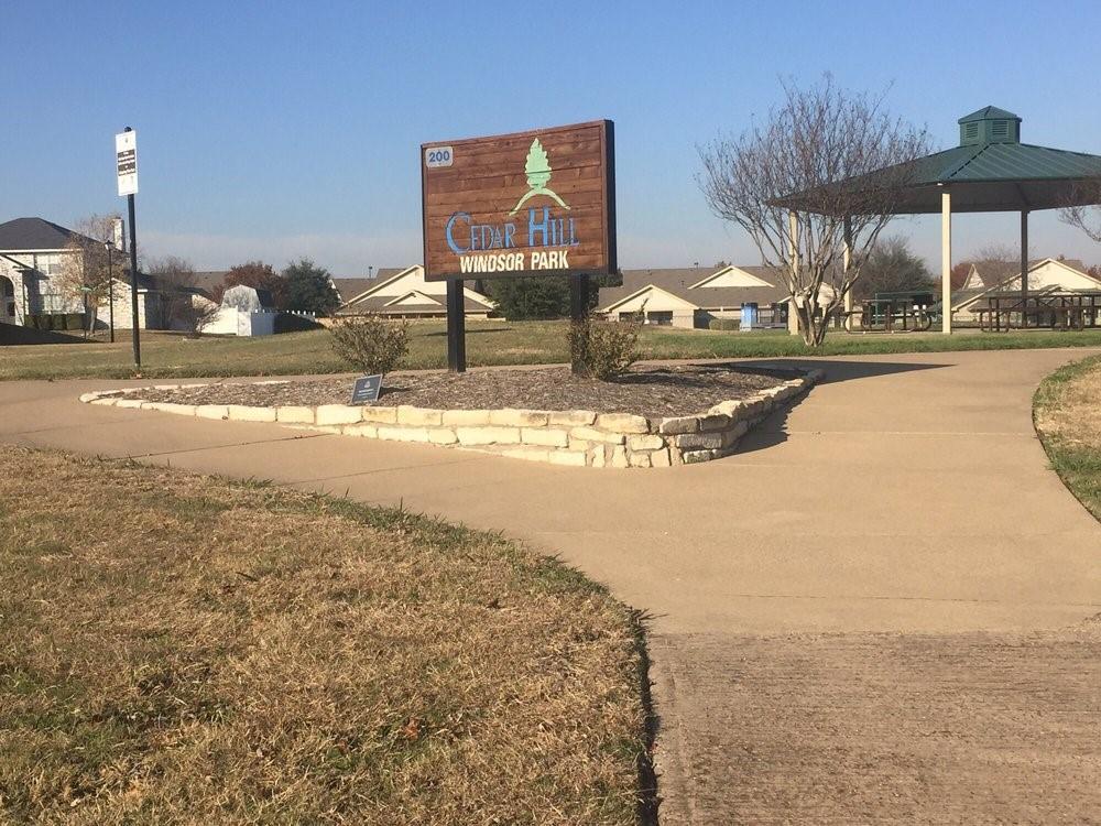305 Wedgewood  Lane, Cedar Hill, Texas 75104 - Acquisto Real Estate best frisco realtor Amy Gasperini 1031 exchange expert