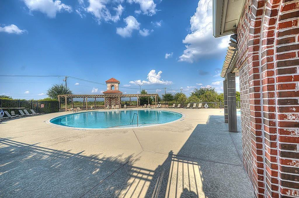 2732 Los Gatos  Lane, Fort Worth, Texas 76131 - Acquisto Real Estate best frisco realtor Amy Gasperini 1031 exchange expert