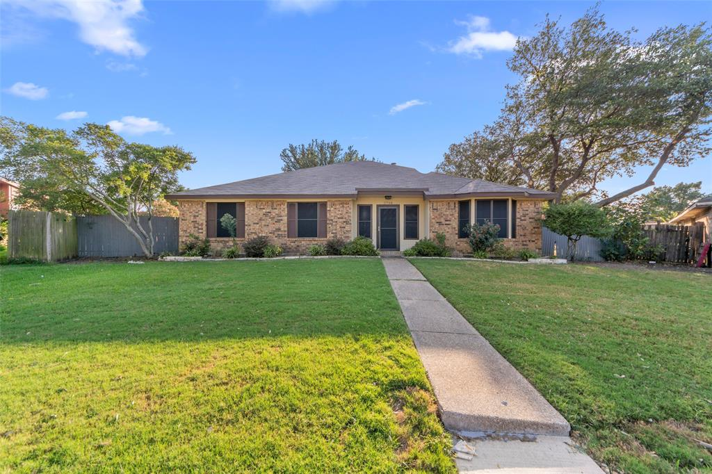 2708 Brushwood  Lane, Mesquite, Texas 75150 - Acquisto Real Estate best frisco realtor Amy Gasperini 1031 exchange expert