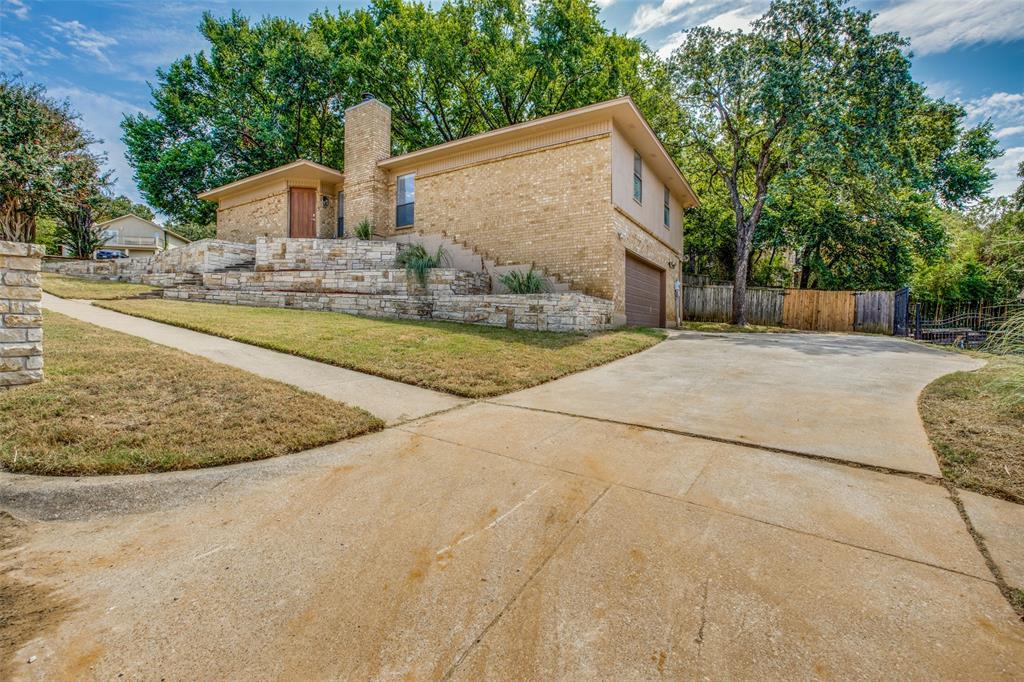 2208 Crooked Oak  Court, Arlington, Texas 76012 - Acquisto Real Estate best frisco realtor Amy Gasperini 1031 exchange expert