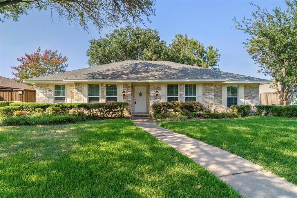 2825 Loch Haven  Drive, Plano, Texas 75023 - Acquisto Real Estate best frisco realtor Amy Gasperini 1031 exchange expert